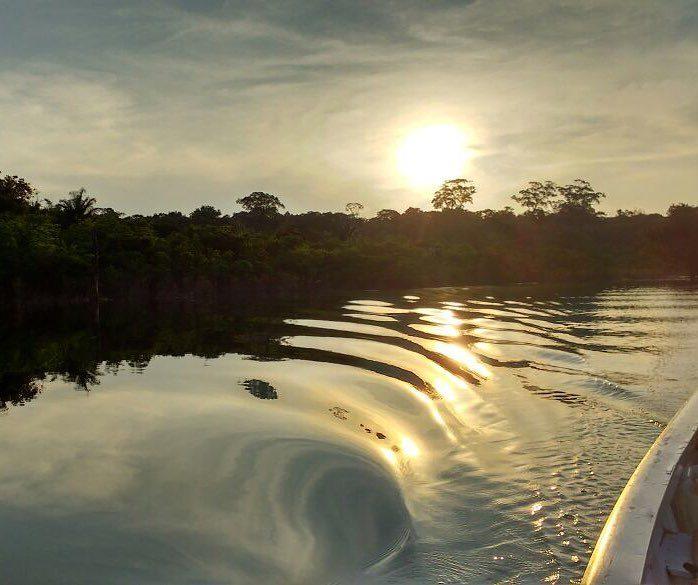 Linda imagem do Lago do Tiririca.jpg