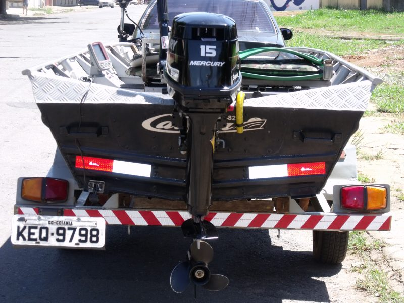 004_motor e barco traseiro.JPG
