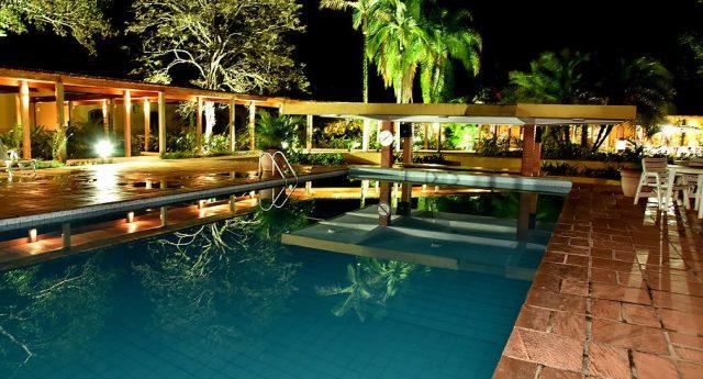 piscina hotel.JPG